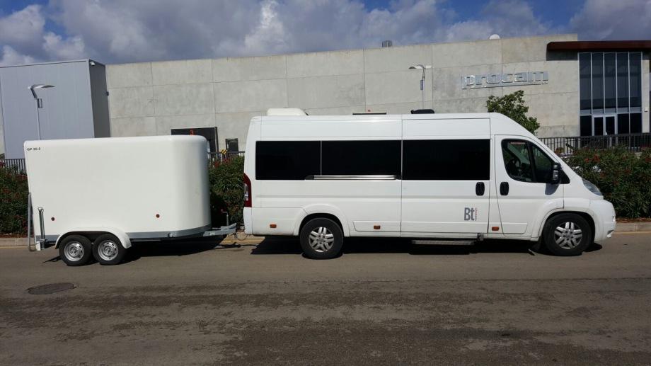 Minibus from Santa Ponsa to Mallorca airport.