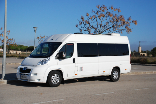 Majorca airport transfers for 5, 6, 7, 8 passengers