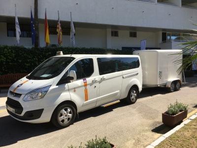 Taxi to Calas de Mallorca with bicycles
