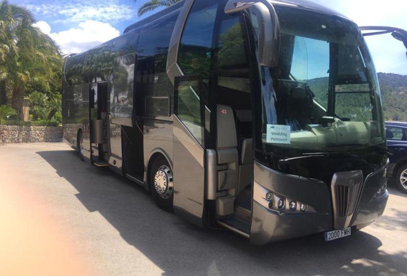 Bus and minibus to Cala Mondrago