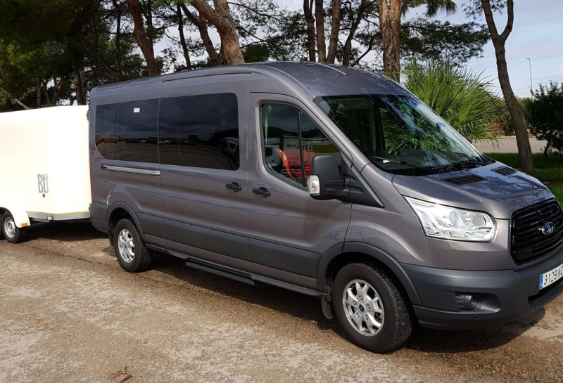 Minibus and transfers with bicycles to Hotel Bahia Camp de Mar Suites